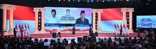 An audience watches the second presidential debate between Indonesian incumbent President Joko Widodo and candidate for president Prabowo Subianto in Jakarta on Feb. 17, 2019.